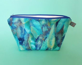 Dragonfly Metallic Leaf Cosmetic Bag with waterproof lining