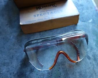 vintage safety glasses, original box, by Methaspec
