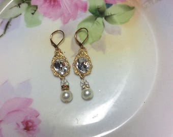 Gold crystal earrings Gold pearl bridal earrings Wedding earrings Crystal bridal earrings Wedding jewelry bridal jewelry wedding accessories