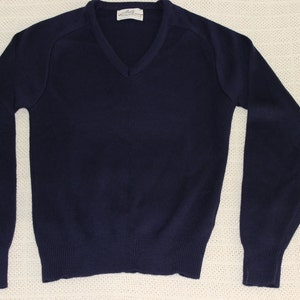 Free Shipping Vintage V Neck Classic Uniform Style Navy Sweater  Size 32