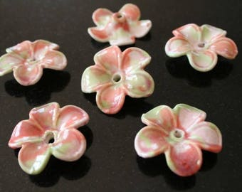 4 flower porcelain beads.  (ref:0697).