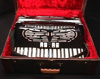 Vintage Italian Made Universal Brand 120 Bass Accordion with Seven Stops in it's Original Case & Ready to Play  5 A