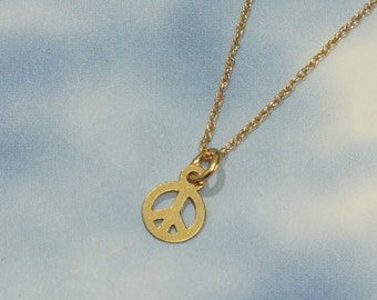 Solid Gold Peace Sign Necklace, Minimalist Charm Necklace, 6mm Delicate Peace Sign Charm Necklace, 14k Minimalist Peace Sign Necklace