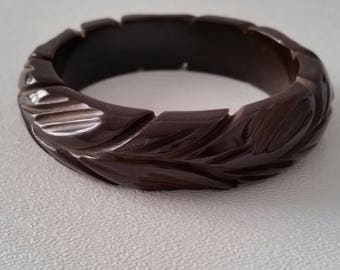 Dark Brown Carved BAKELITE Bakelite Bracelet (E 235)