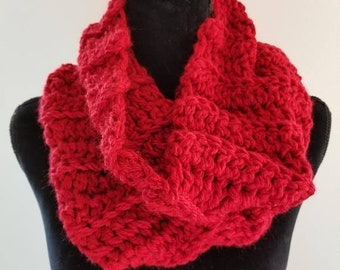 ON SALE Infinity Scarf - Outlander Inspired Scarf, Chunky Scarf, Cowl Scarf, Claire Infinity Scarf, Scarves for Women, Crochet Handmade, Red