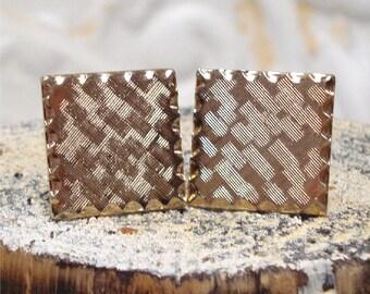 Goldtone Square Cuff Links Scallop Weave Design