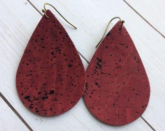 Teardrop cork earrings, cranberry cork teardrop earrings, cranberry cork earrings