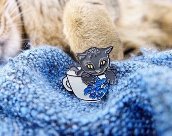 Teacup Kitten Pin