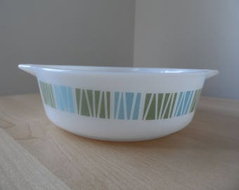 JAJ Pyrex Matchmaker 471 size cinderella handled casserole-no lid