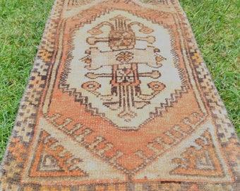 türkish rug. vintage rug. hand made rug. small rug. oushak rug. 35.43x18.50inc! 2.95 x 1.54feet!