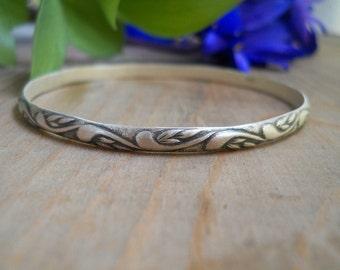 sterling silver patterned bangle bracelet , SIZE MEDIUM, stacking bracelet, delicate bangle, ready to ship