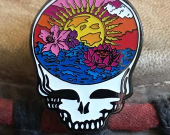 Here comes sunshine hat pin