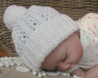 READY TO SHIP 0-3 months Baby Pom Pom Hat in White