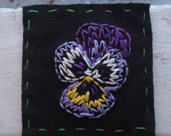 Poppin Pansy // Hand-embroidered patch // 4 available colours // handmade in Nova Scotia