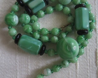 Vintage Czechoslovakia Necklace Green Beads
