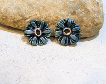 2 doonuts beads charms, boho hippie style, handmade ceramic supply, blue flowers, components for jewel, DIY