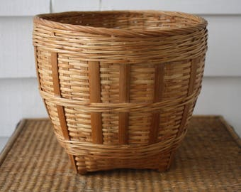 woven planter, wicker planter, vintage woven planter, wicker basket, boho chic