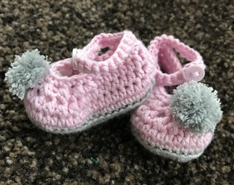 Crochet baby booties, crochet baby shoes, baby shoes, baby Mary Janes, baby gift, crochet baby gift, baby shower gift, baby, baby girl