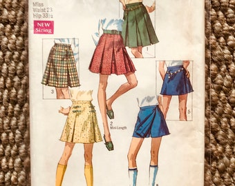 """Simplicity #8397 Vintage Sewing Pattern for a Misses' Set of Skirts in 2 Lengths & Skort Skirt 14"""" w/ pleats zipper and waistband UNCUT NEW"""