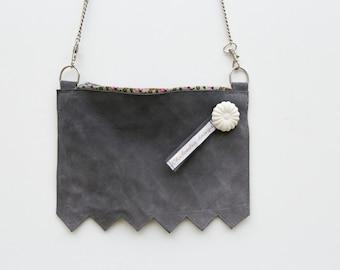 Pochette bandoulière, sac en cuir velours gris bleuté, petit sac pour soirée, sac pour mariage