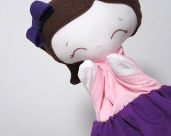 Marionnette Adelaide, marionnette à main, marionnette à gaine, marionnette fille