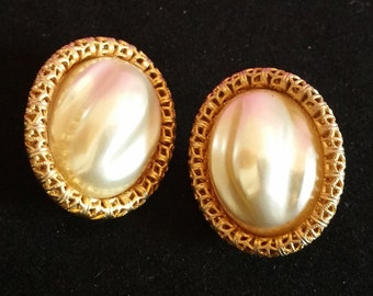 """Vintage Sarah Coventry """"Chain O'Fashion"""" Faux Pearl Clip-on Earrings, 1960s"""