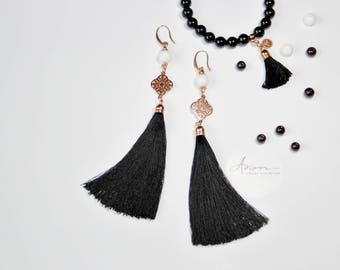Earrings with tassels and jade beads