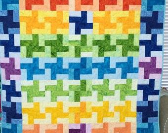 Criss Cross Rainbow-Sauce Quilt