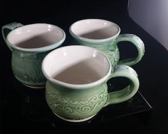 Textured porcelain coffee mugs