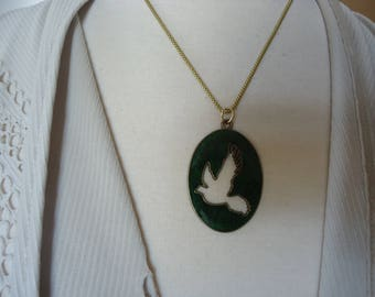 "Antique Brass Green Enamel Cut Out Flying Bird Pendant on 18"" Brass Tone Chain"