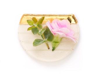 14k Gold Ceramic Round Boutonniere Pin