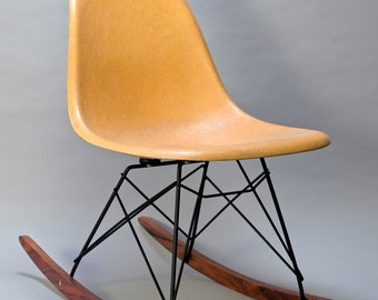 Eames Herman Miller Chair ROCKER BASE Black frame walnut