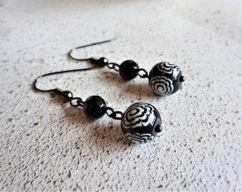 Black and white dangle earrings, Flower drop earrings, Floral pattern, Everyday beaded earrings, Gifts for her, The Monochrome Collection
