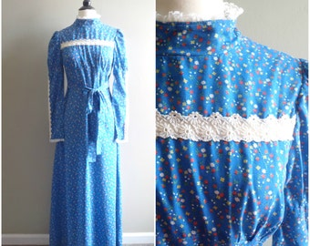 Vintage blue floral maxi dress / daisy lace Victorian style long dress / hippie lace and cotton long sleeve maxi dress