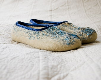 Felted slippers Royal Blue