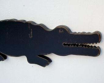 wood crocodile alligator