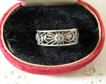 Vintage Radiant Sun and Crescent Moon Sterling Silver Ring - Size 7 1/4 US