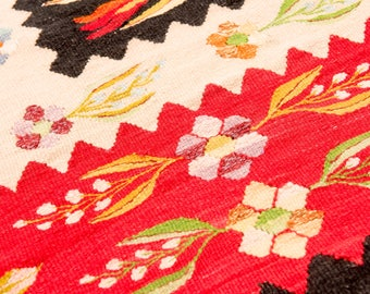 Living room rugs Kilim Rug with floral pattern perfect for living rooms handmade rug runner rug