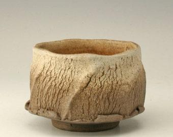 tree bark texture tea bowl, white and brown chawan, organic pottery cup, rustic japanese tea bowl, antique yunomi, ceramic cup, Shikha