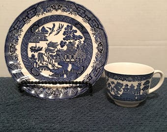 BLUE WILLOW Dinnerware,  by Churchhill and Johnson brothers of England