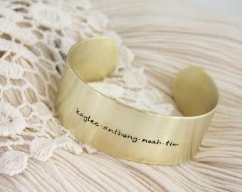 Namen Armband · Manschette Armband · Messing Manschette Armband · Benutzerdefinierte Namen Armband · Personalisierten Schmuck · Geschenk für Mama · Geschenk für Sie