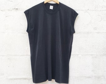 80s Basic Black Muscle Tee