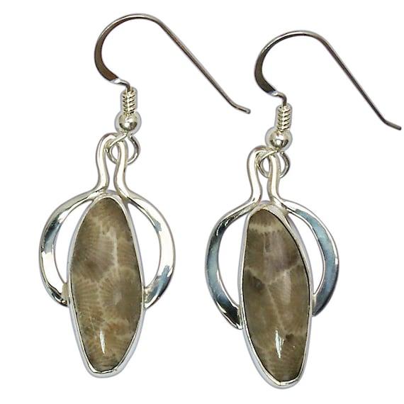 Petoskey Stone dangle earrings set in Sterling Silver  epkye3012