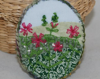 Embroidered Applique Red Campion - Meadow Brooch stitched by Lynwoodcrafts