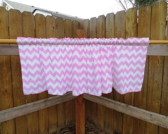 "Light pink chevron zigzag window valance, size 54""x16"" approx"