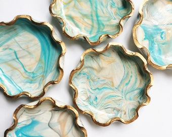 SCALLOPED TURQUOISE // Handmade Marbled Polymer Clay Jewelry Dish, Ring Dish, Trinket Dish, Ring Holder