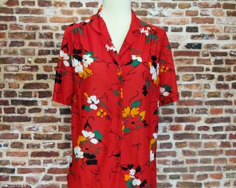 Vintage 70's 80's Blouse Red Floral Print Size Medium Short Sleeve Women's Tropical Print Button Up Knit