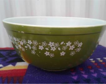 Vintage Olive Green White Daisies Pyrex Bowl