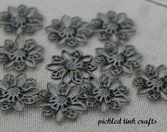 Small Brass Daisy Flower Charms