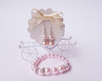Bridesmaid Gift Jewelry Set Bridesmaid Jewelry Pearl Bracelet and Earring Set Wedding Jewelry Bridesmaid Bracelets White or Ivory Pearl